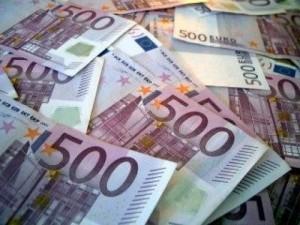 http://www.espanja.org/wp-content/uploads/billets-euros1.jpg